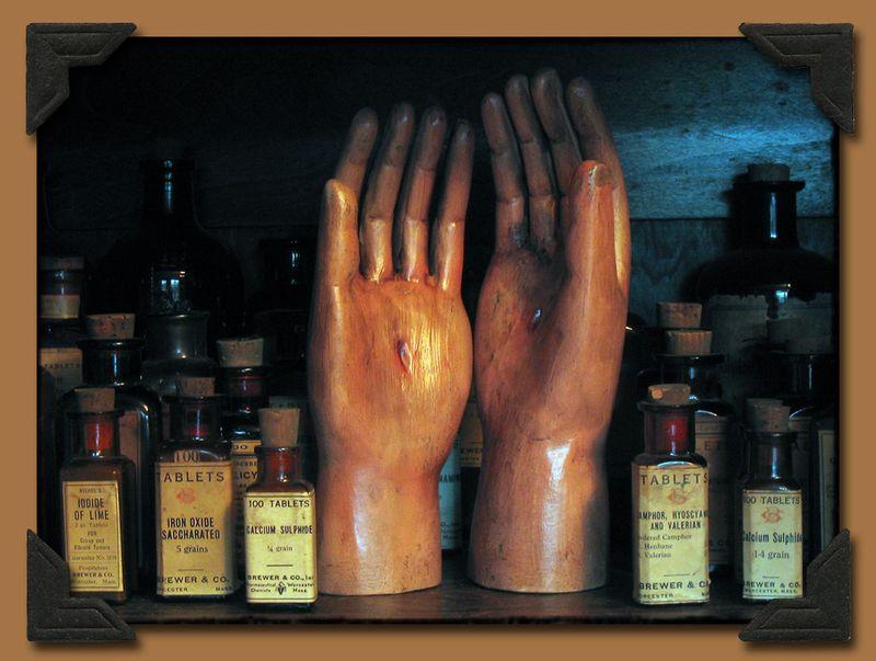 Saint Hands