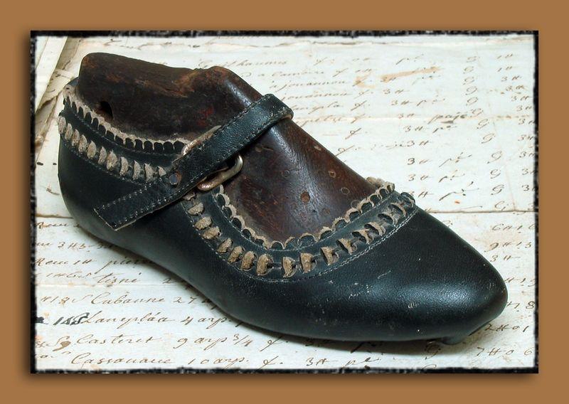 Shoe Form Shoe